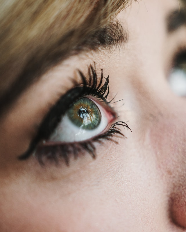 maquillage permanent des yeux au pradet